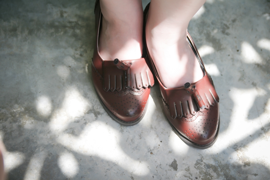leather loafers with tassle