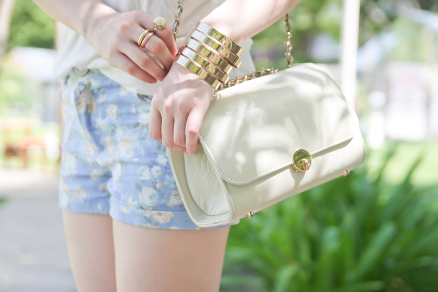 gold accessories summer fashion