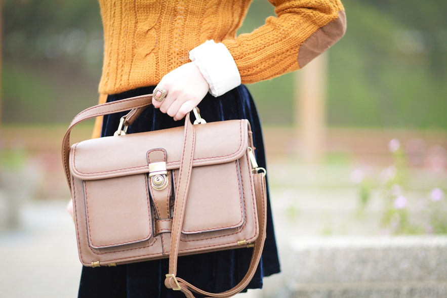 thrifted satchel
