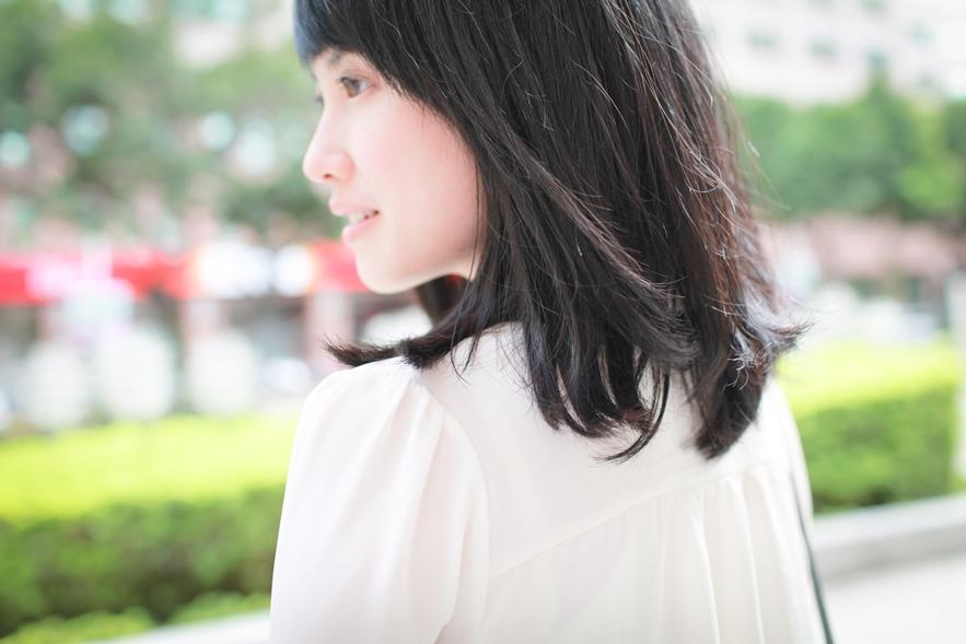 off white blouse fashion blogger