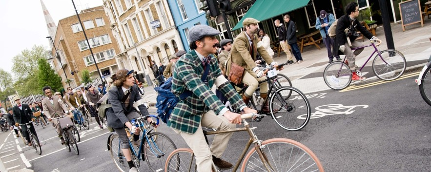 TWEED RUN 騎著單車,在城市尋找過期的時尚和不過期的品味
